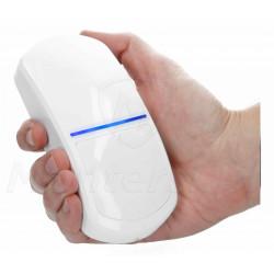 Czujka ruchu SLIM-PIR-PET w dłoni