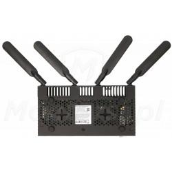 RB4011iGS - Spód routera
