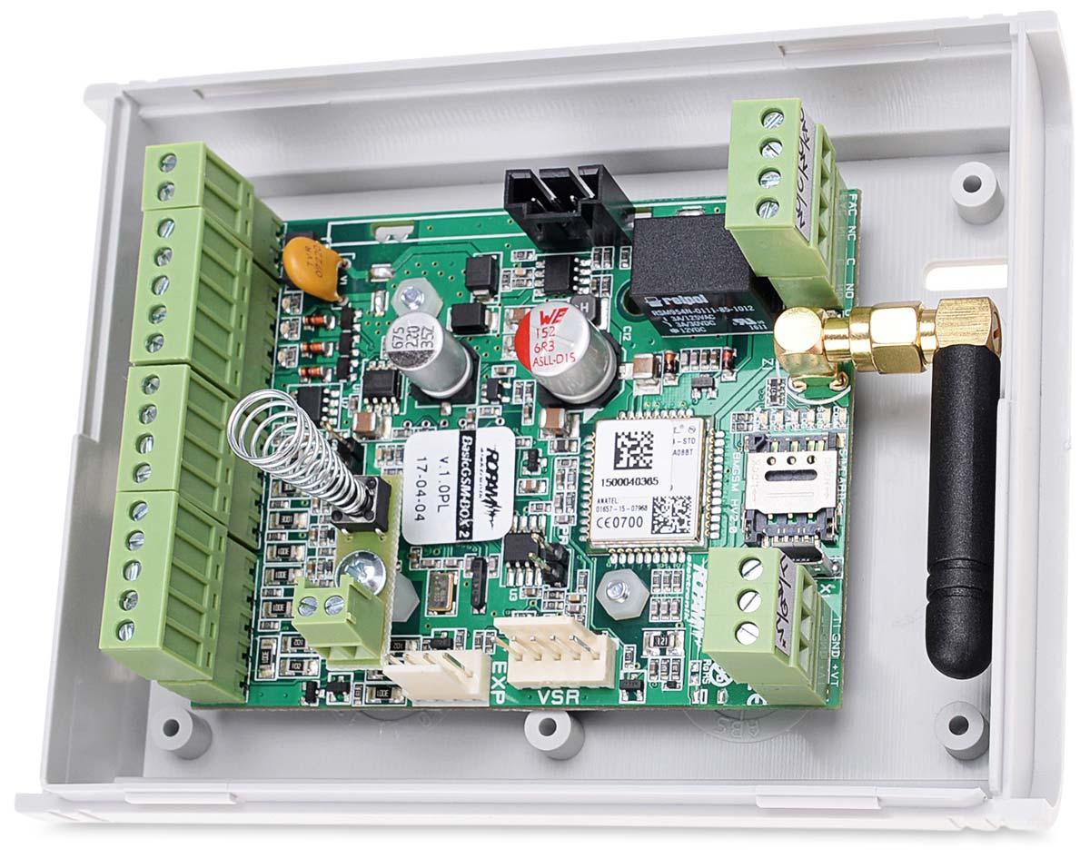 Wnętrze modułu powiadomienia BasicGSM-BOX 2