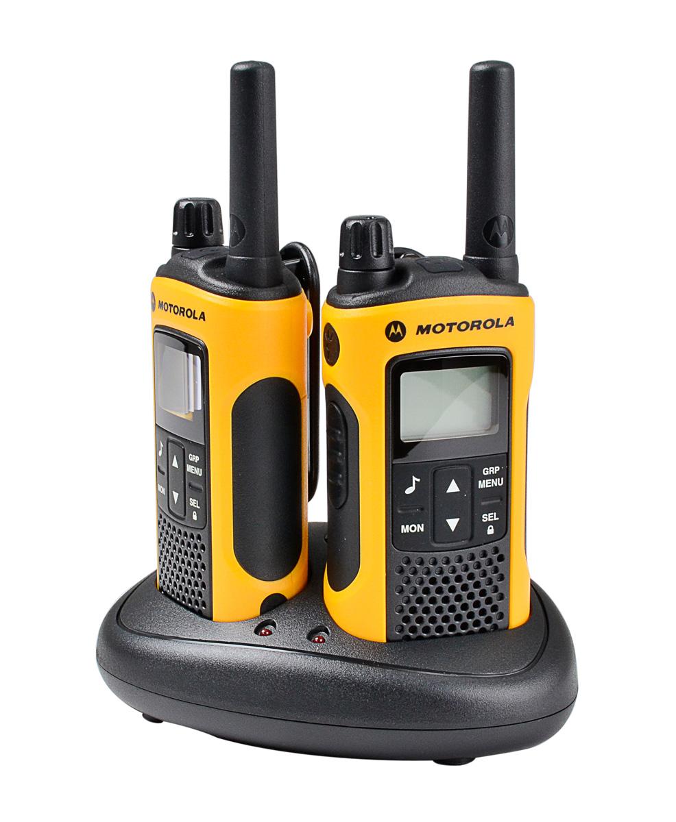 Radiotelefony Motorola T80 EXT umieszczone w podstawce ładującej