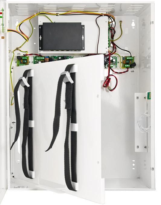 Wnętrze switch-a z miejscem na akumulator i rejestrator