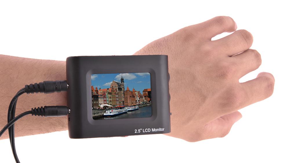 Pasek mocujący umożliwia łatwe przyczepienie monitora TFT-2.5 do ręki