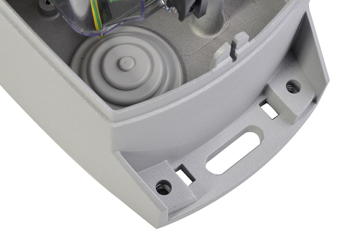 Prawidłowo zaprojektowane przepusty kablowe chronią wnętrze napędu przed insektami