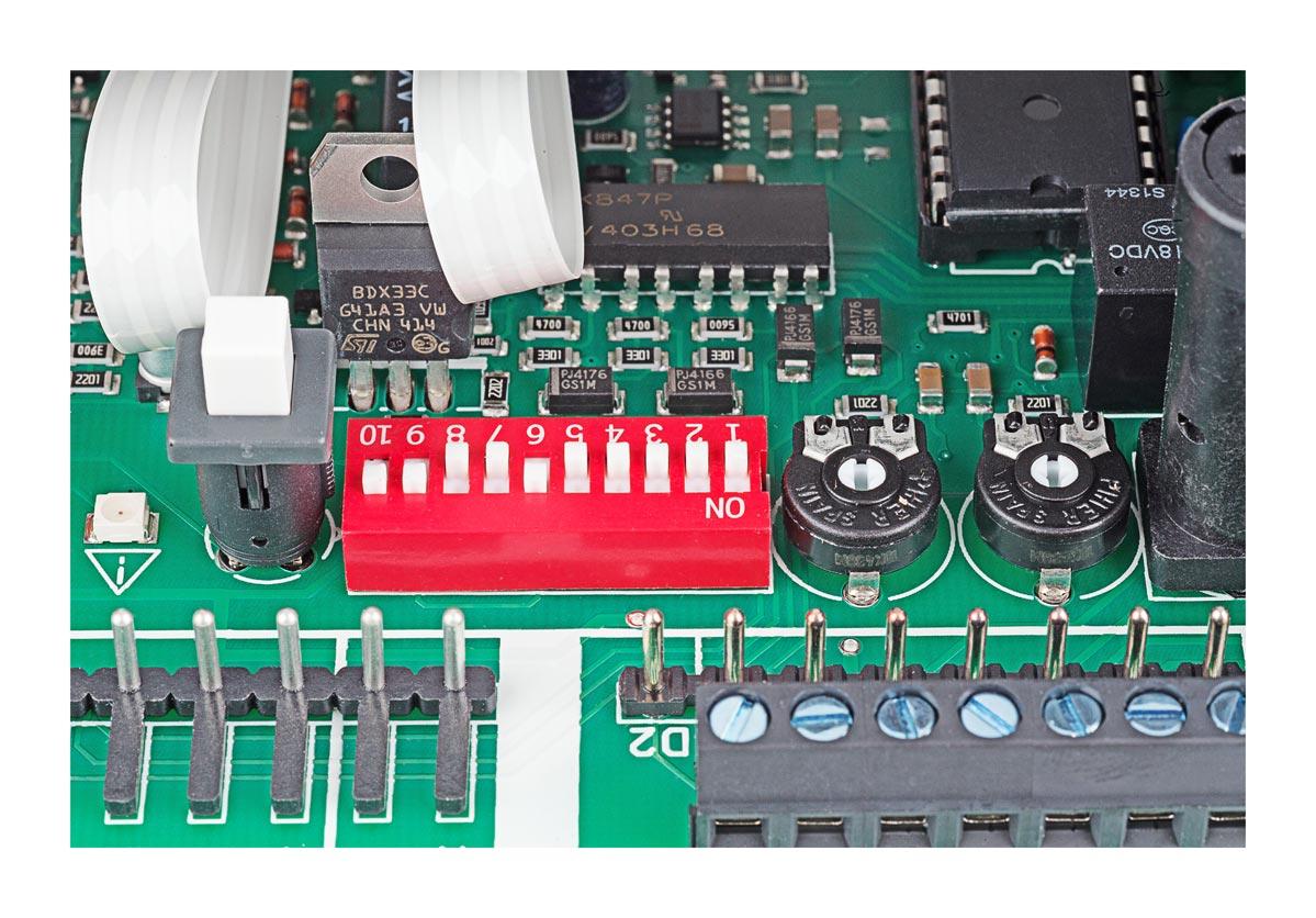 Switche do zmiany ustawień centrali RZN 4404-K