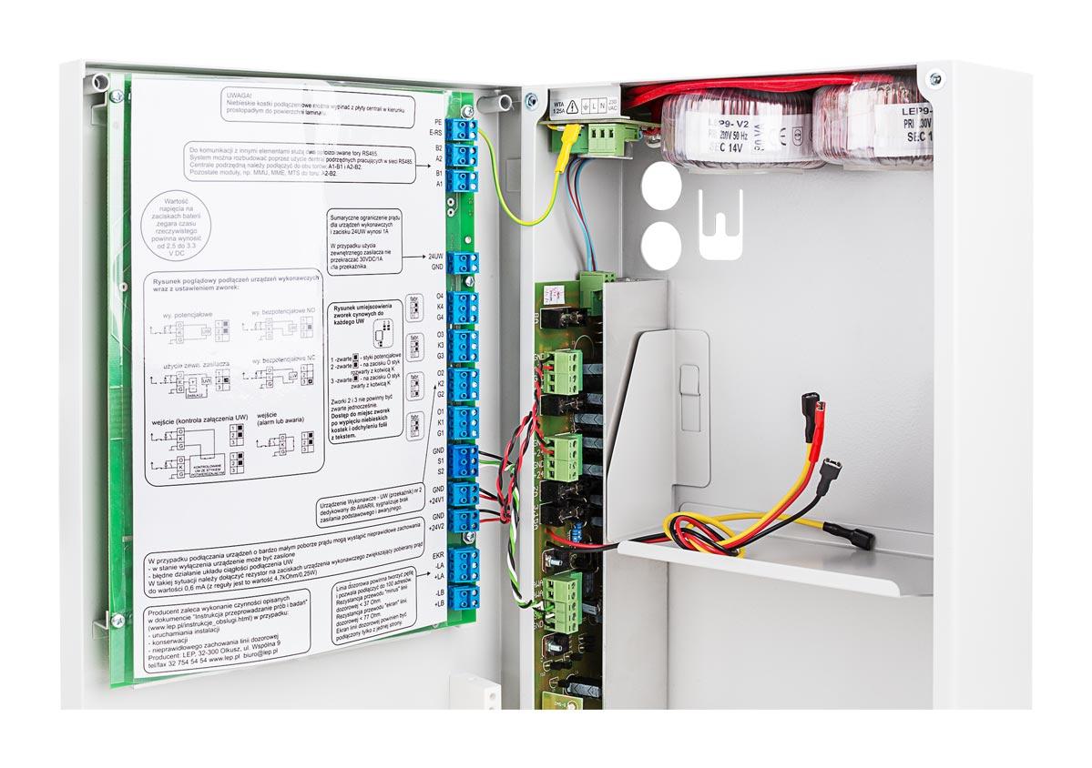 Miejsce na akumulatory podtrzymujące w centrali AFS42