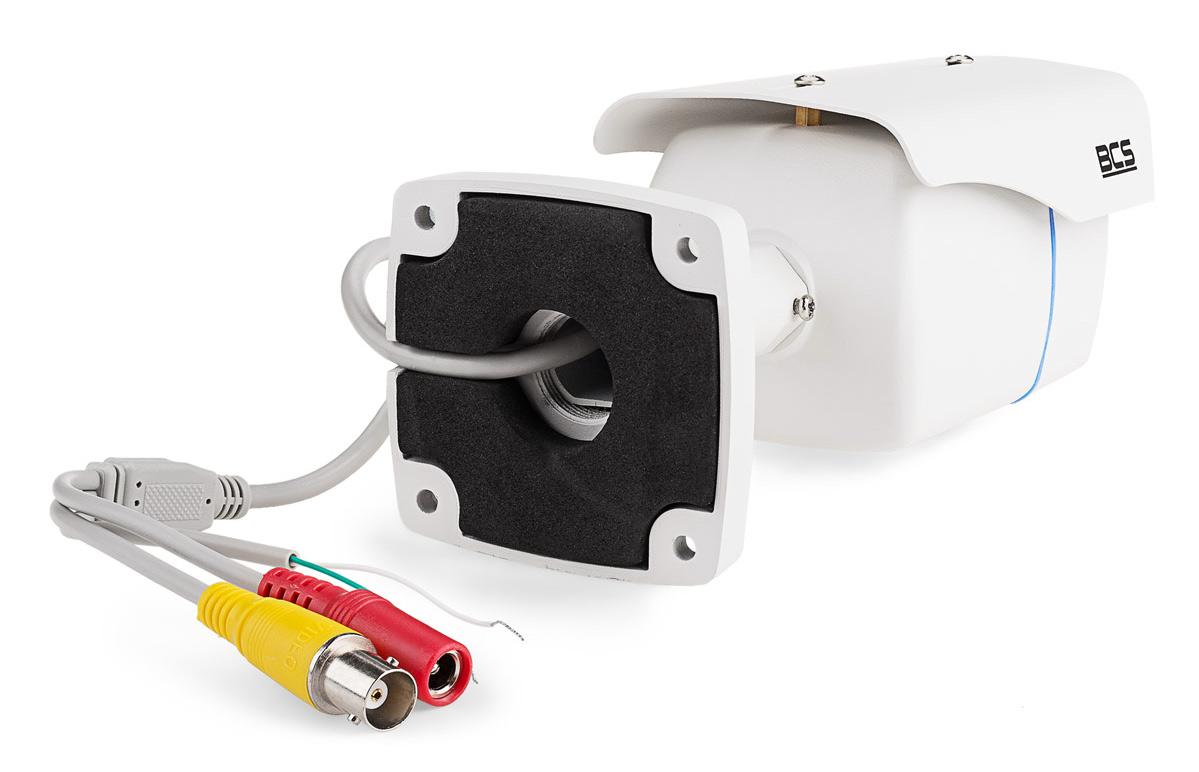 Otwór na przewód połączeniowy w uchwycie kamery BCS-THC3130IR3-B