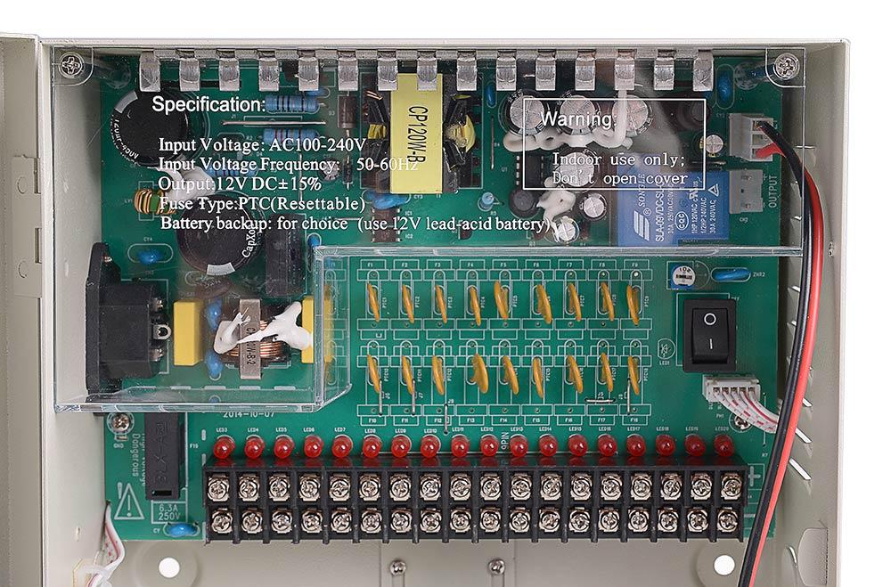 Płytka z wyjściami i bezpiecznikami zasilacza 12V/10A/18O/BOX/B