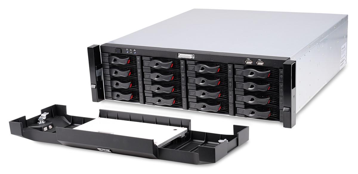Rejestrator BCS-NVR6416DR-4K ze zdjętym panelem frontowym