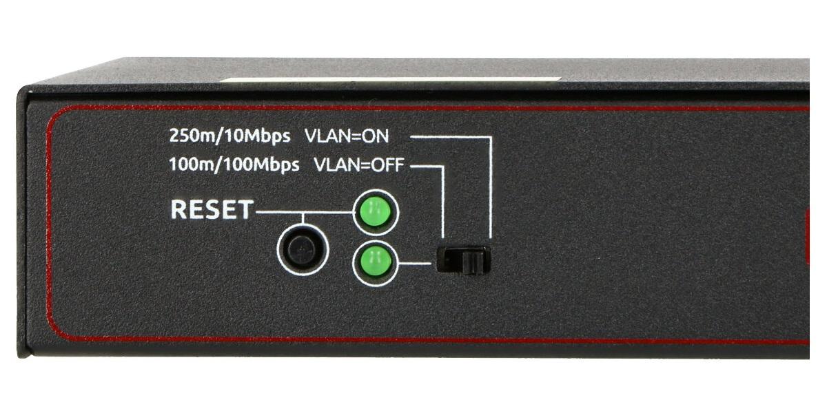 Przycisk reset i przełącznik zmieniający tryb pracy w switcha PIX-POE8AT-1GE-1SFP