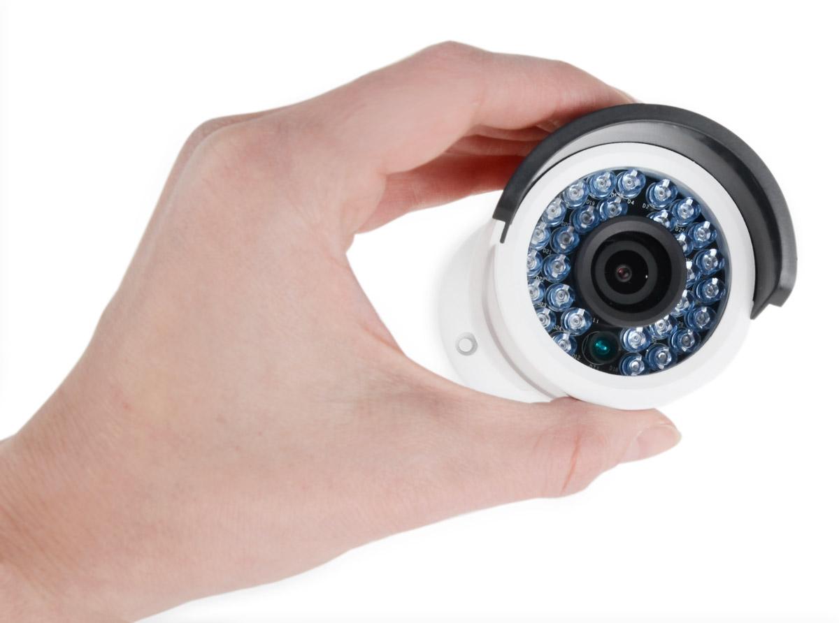 Kamera DS-2CD2042WD-I cechuje się niewielkimi wymiarami