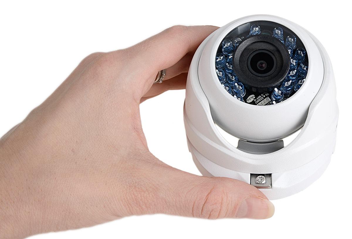 Kamera DS-2CE56D1T-IRM cechuje się niewielkimi wymiarami
