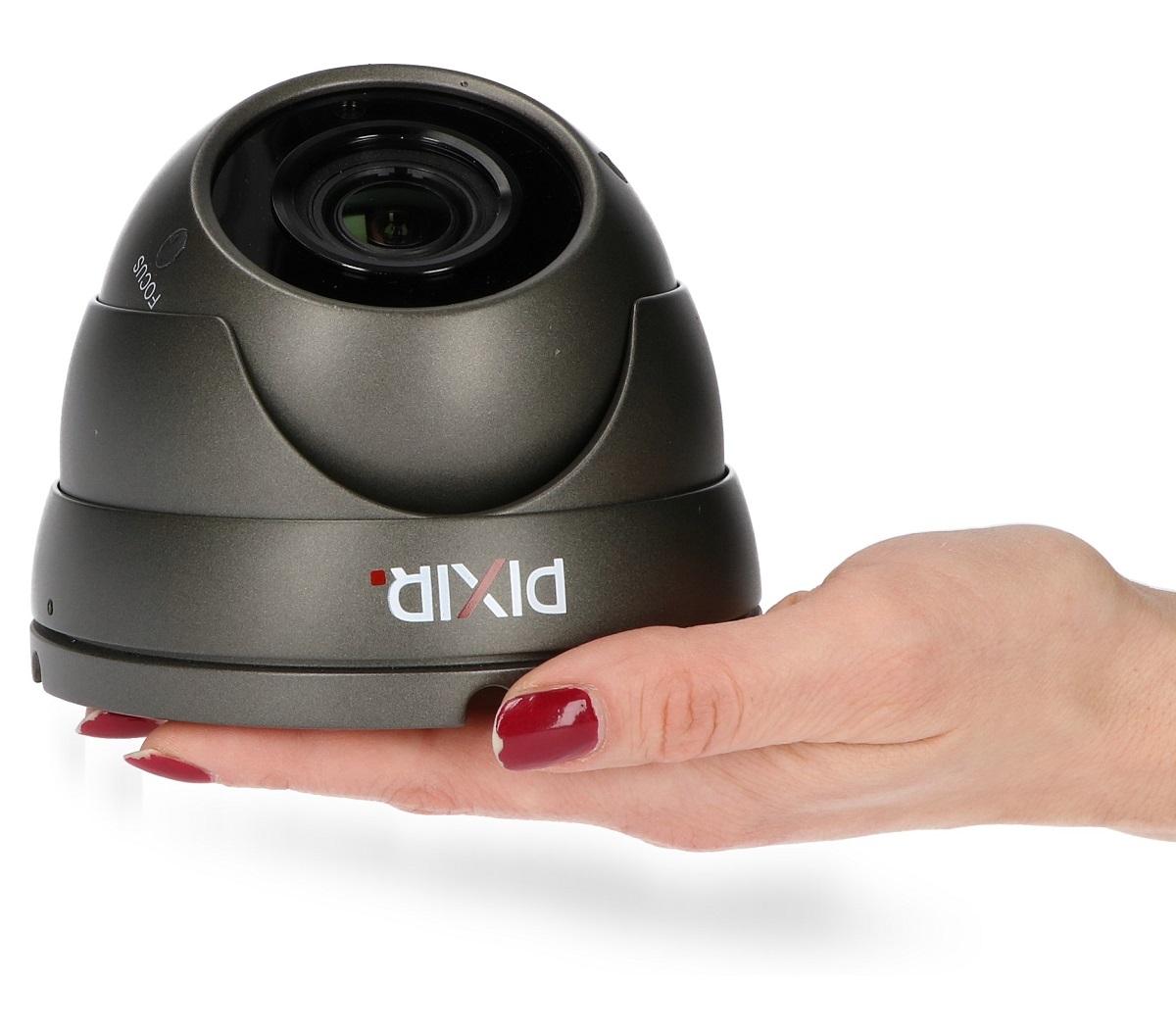 Kamera PIX-Q2SVDMIRS cechuję się stosunkowo niewielkimi wymiarami