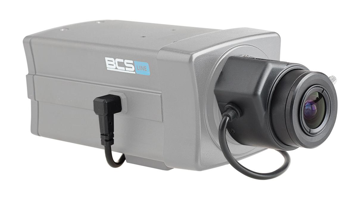 Obiektyw BCS-28103MIR zamontowany na kamerze typu BOX